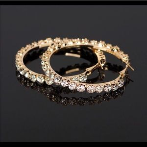 New 18 k yellow gold hoop earrings